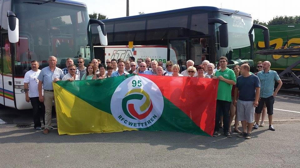 Met twee volle supportersbussen naar Menen !!